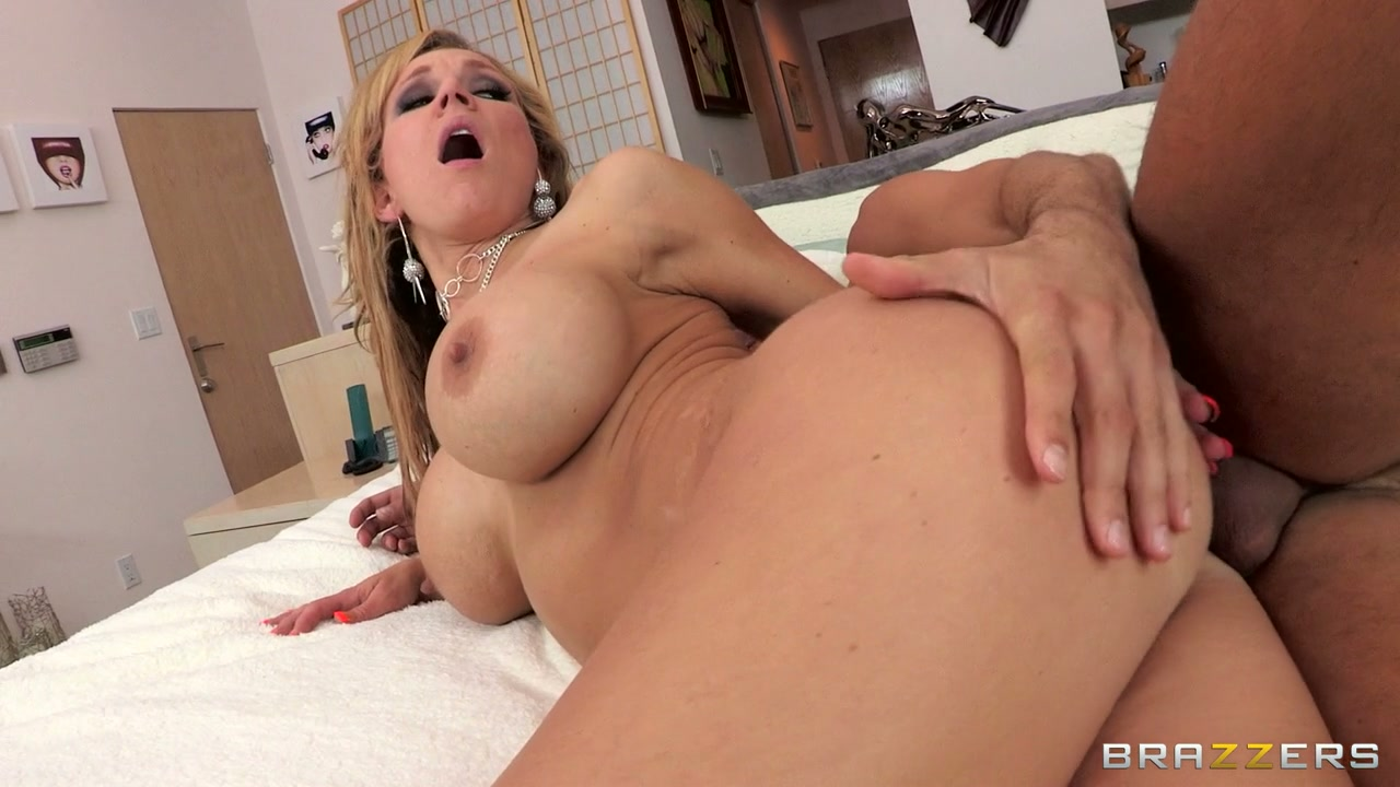 pregnant pantyhose milf in