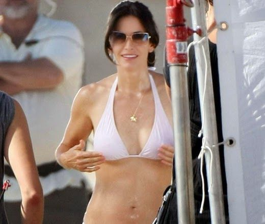 hot courtney cox