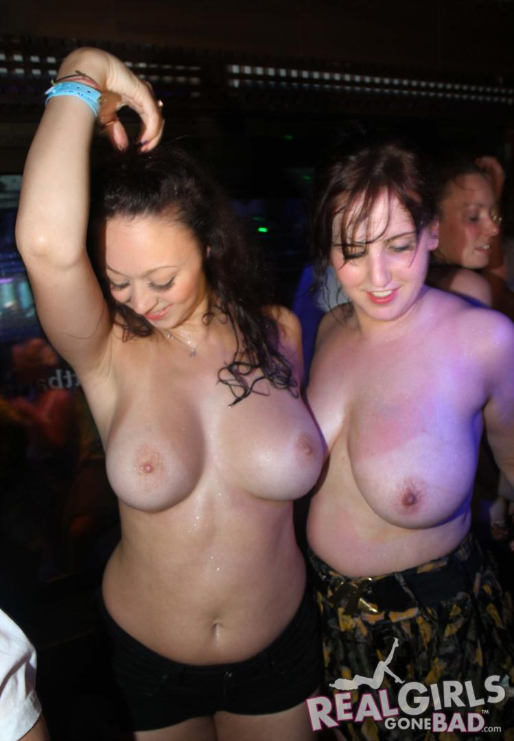 club huge boob