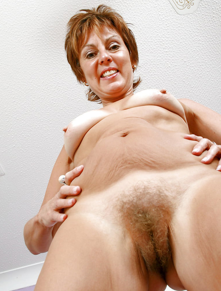 hairy pussy porn mature