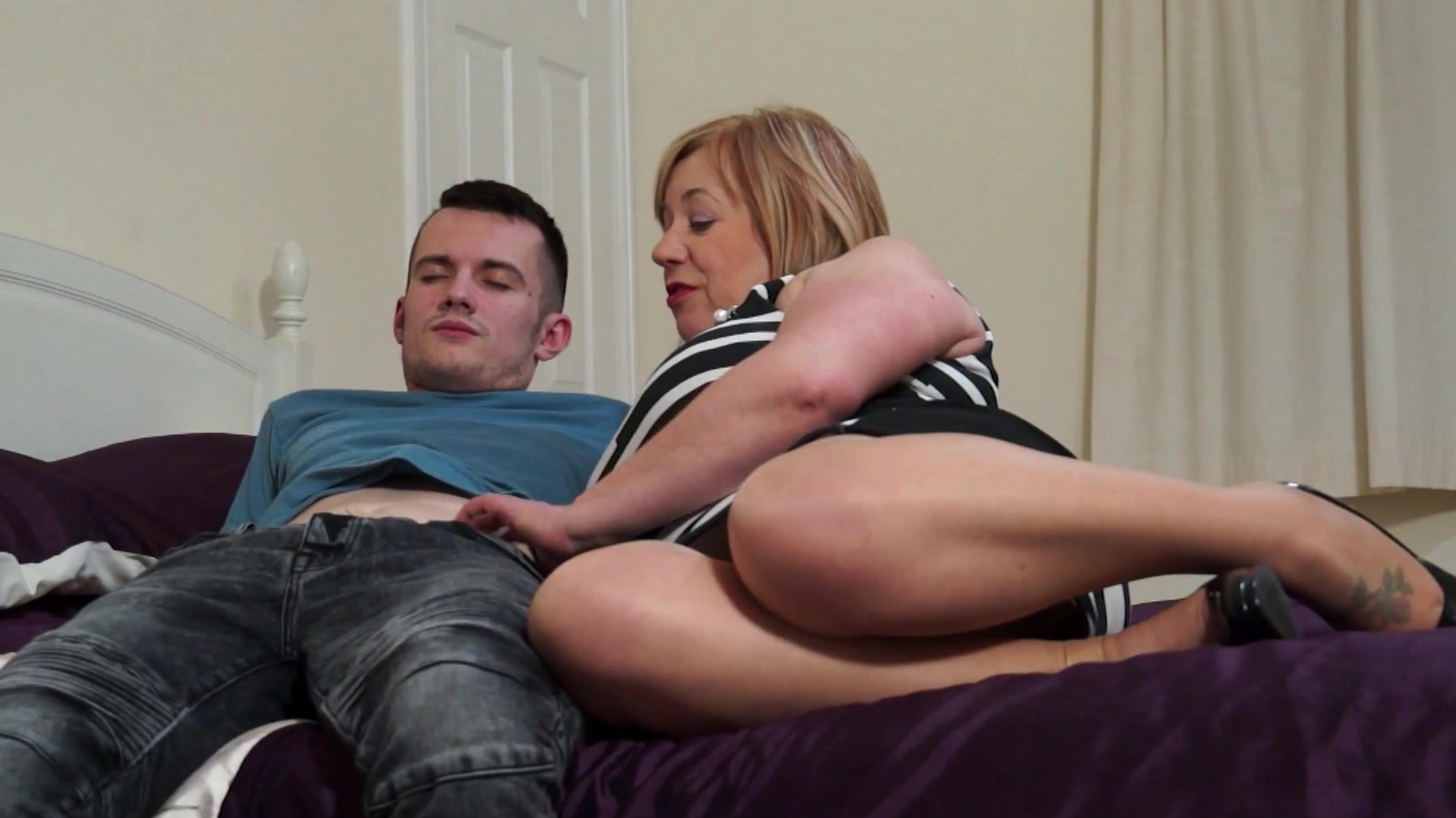 pussy sons tight moms toung in