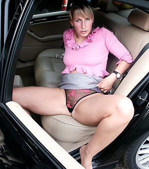 car mom porn