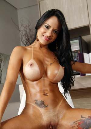 woman brazilian naked picture
