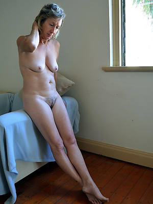 picture of woman gallery older naked