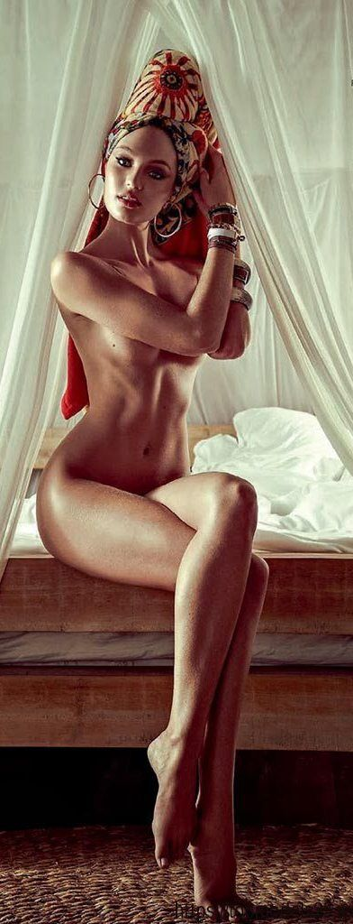 women solidly nude built