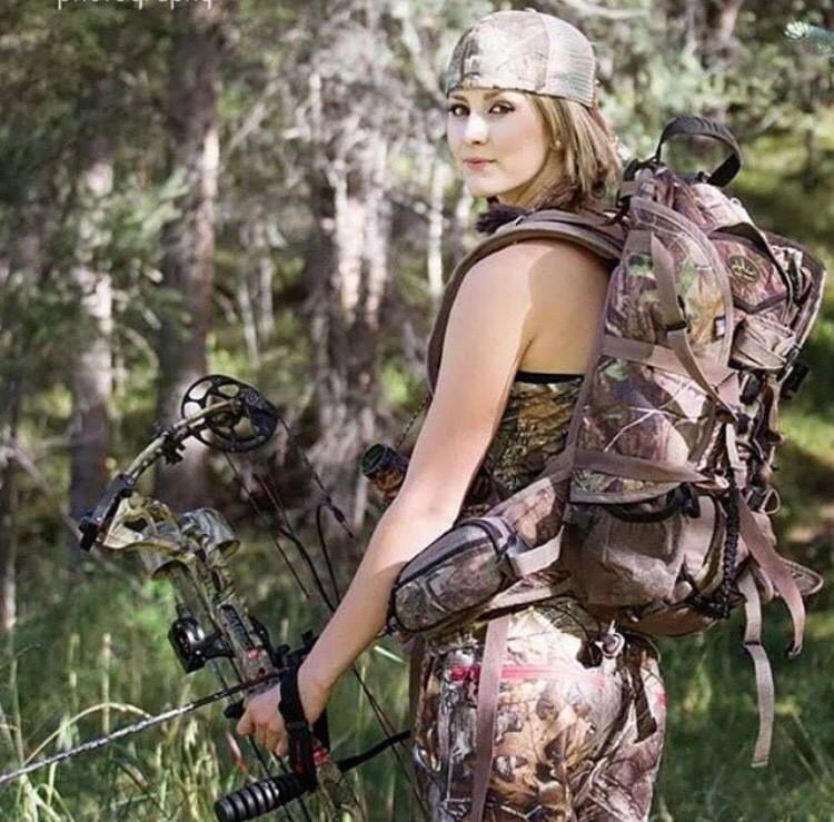 outdoor girls hunting sexy