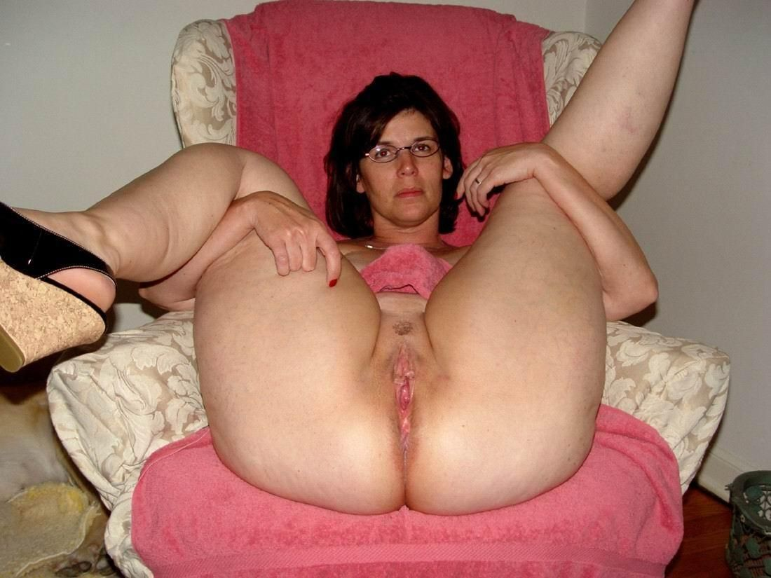 free pictures amature naked women of