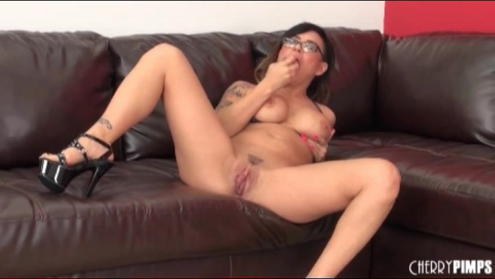 dildo and pussy