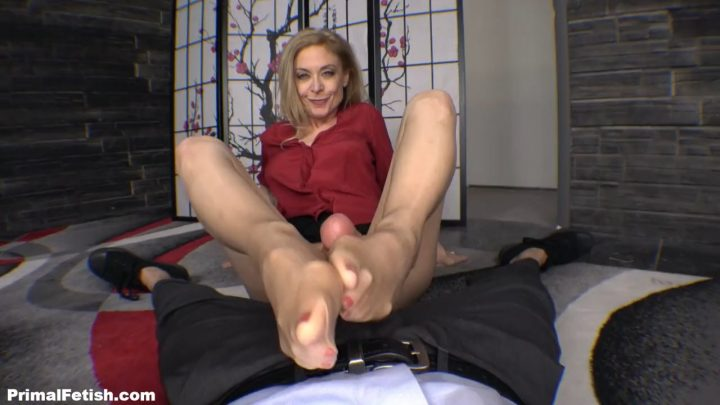 footjob and dom mom aunt